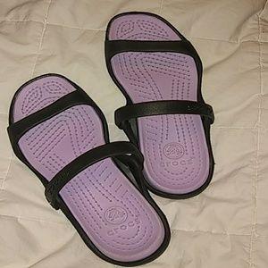 Strappy size 9 Cleo Sandal by Crocs